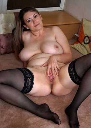 Mature Pussy In Stocking